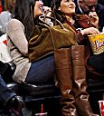 Khloe Kardashian Fansite thumb_156994032 (PHOTOS) Khloe Kardashian Odom attend a game between the New Orleans Hornets and Los Angeles Clippers