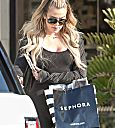 Khloe shops at sephora