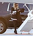 Khloé Kardashian take a private jet