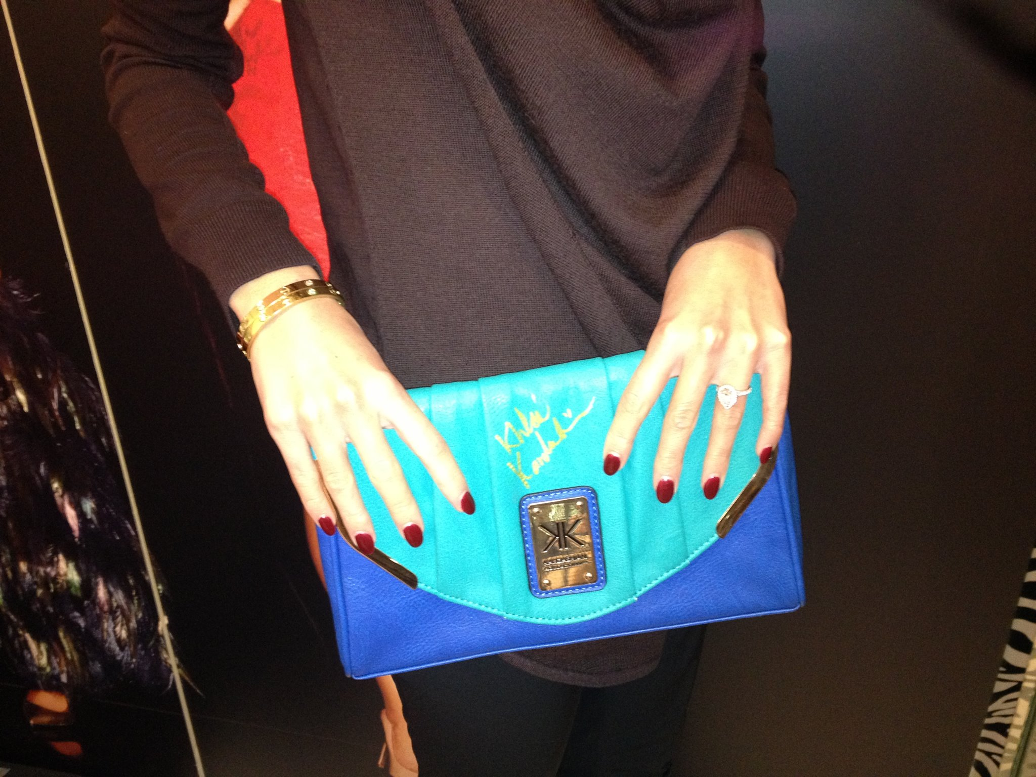 (GIVEAWAY) WIN this Kardashian Kollection for Lipsy London clutch signed by Khloe Kardashian