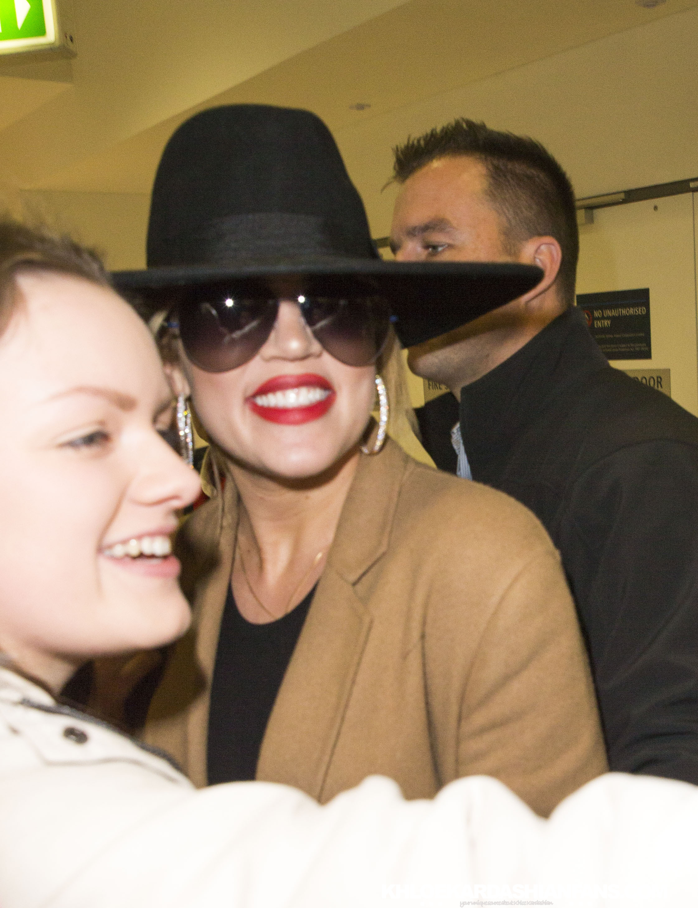 PHOTOS + VIDEO: ( July 29, 2015) Khloe arriving at Sydney in Australia