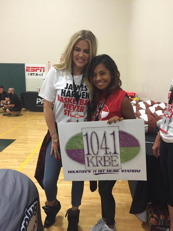 (PHOTOS+VIDEO) August 15, 2015: Khloe at James Harden's Basketball ProCamp in Houston