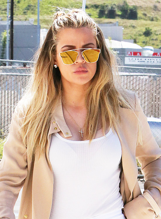 PHOTOS+VIDEO) March 23, 2016: Khloe at a studio in Van Nuys