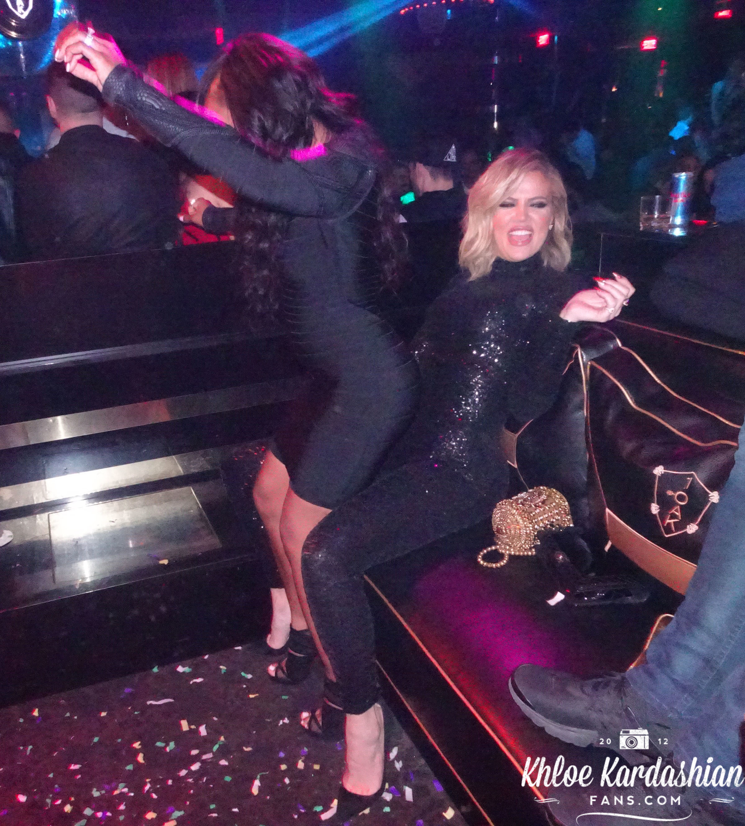 (PHOTOS) March 11, 2016: Khloe at 1 Oak nightclub in Las Vegas