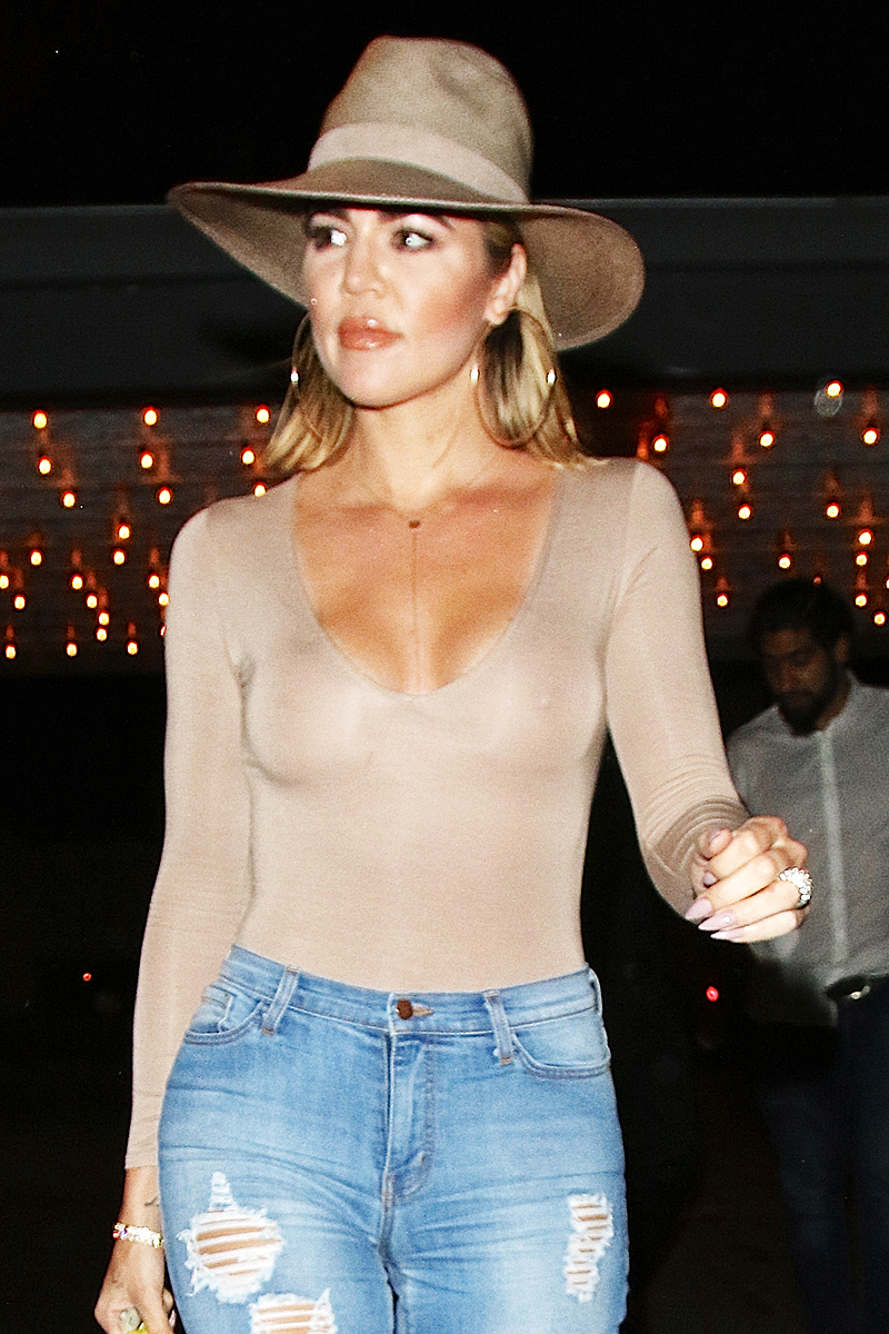 (PHOTOS+VIDEO) July 16, 2016: Khloe leaving Casa Vega
