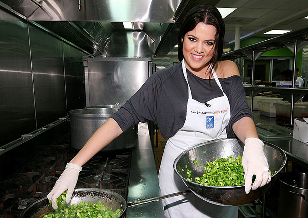 Kardashian-Jenner Family Donates 100 Gourmet, Chef-Prepared Meals