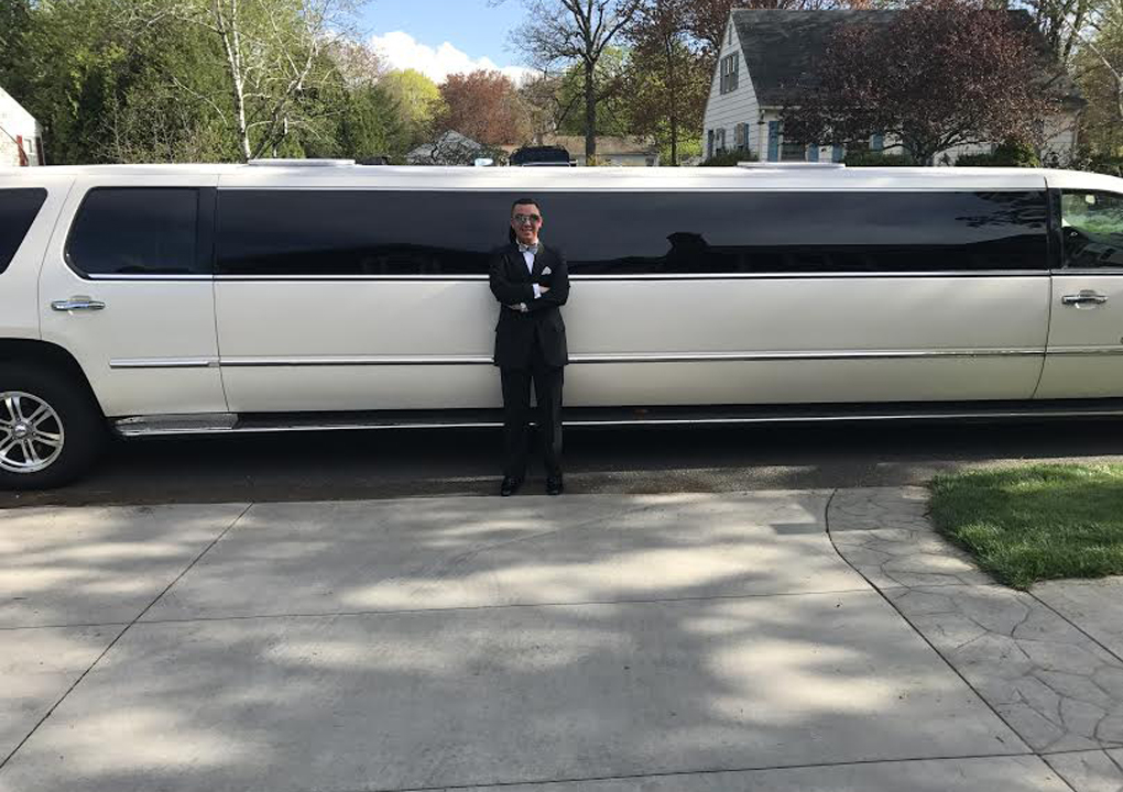 Khloé Kardashian sent a limo for prom night