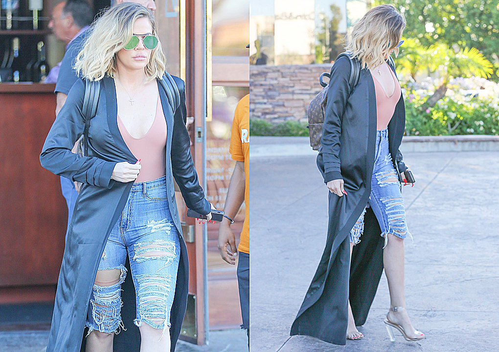 PHOTOS | June 21, 2017 – Khloe Kardashian lunch with Kris Jenner
