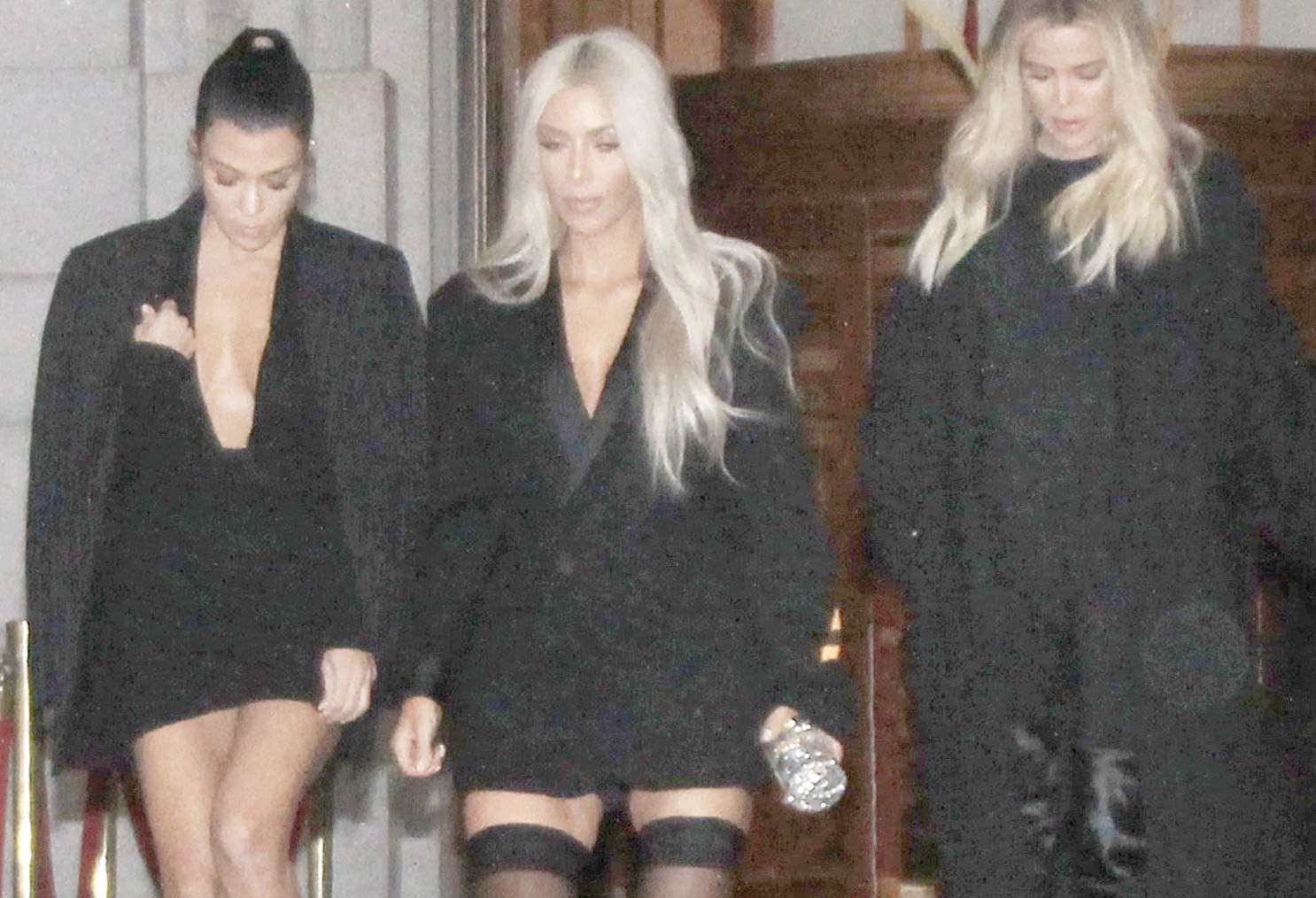 khloe kardashian dinner at Kokkari Estiatorio in San Fransico