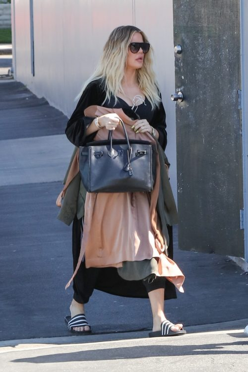 khloe kardashian goes to studio for interview