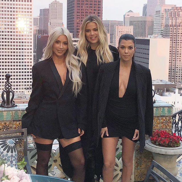 NEW PICTURE! Kim, Kourtney and Khloe Kardashian at the Fairmont Hotel in San Franscico