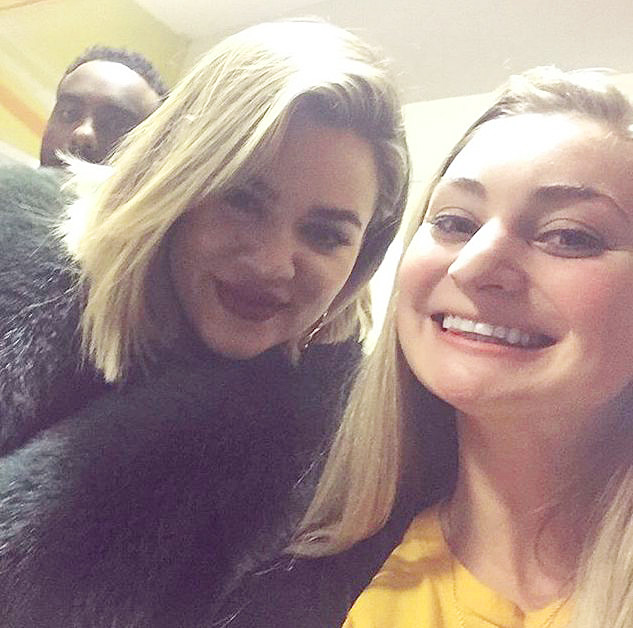 khloe kardashina at NBA game