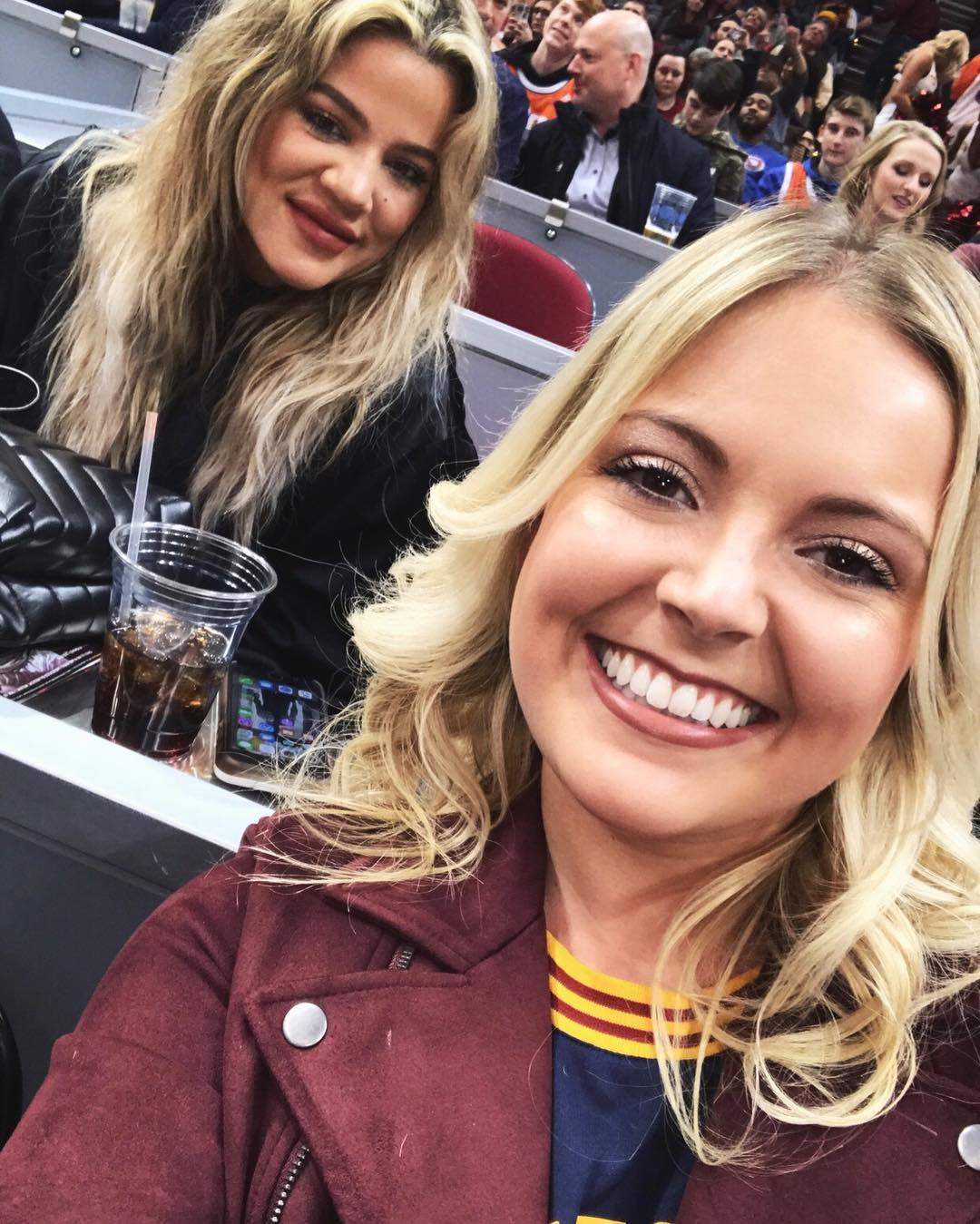 PHOTOS | January 18, 2018 – Khloe Kardashian at Cavs game in Cleveland