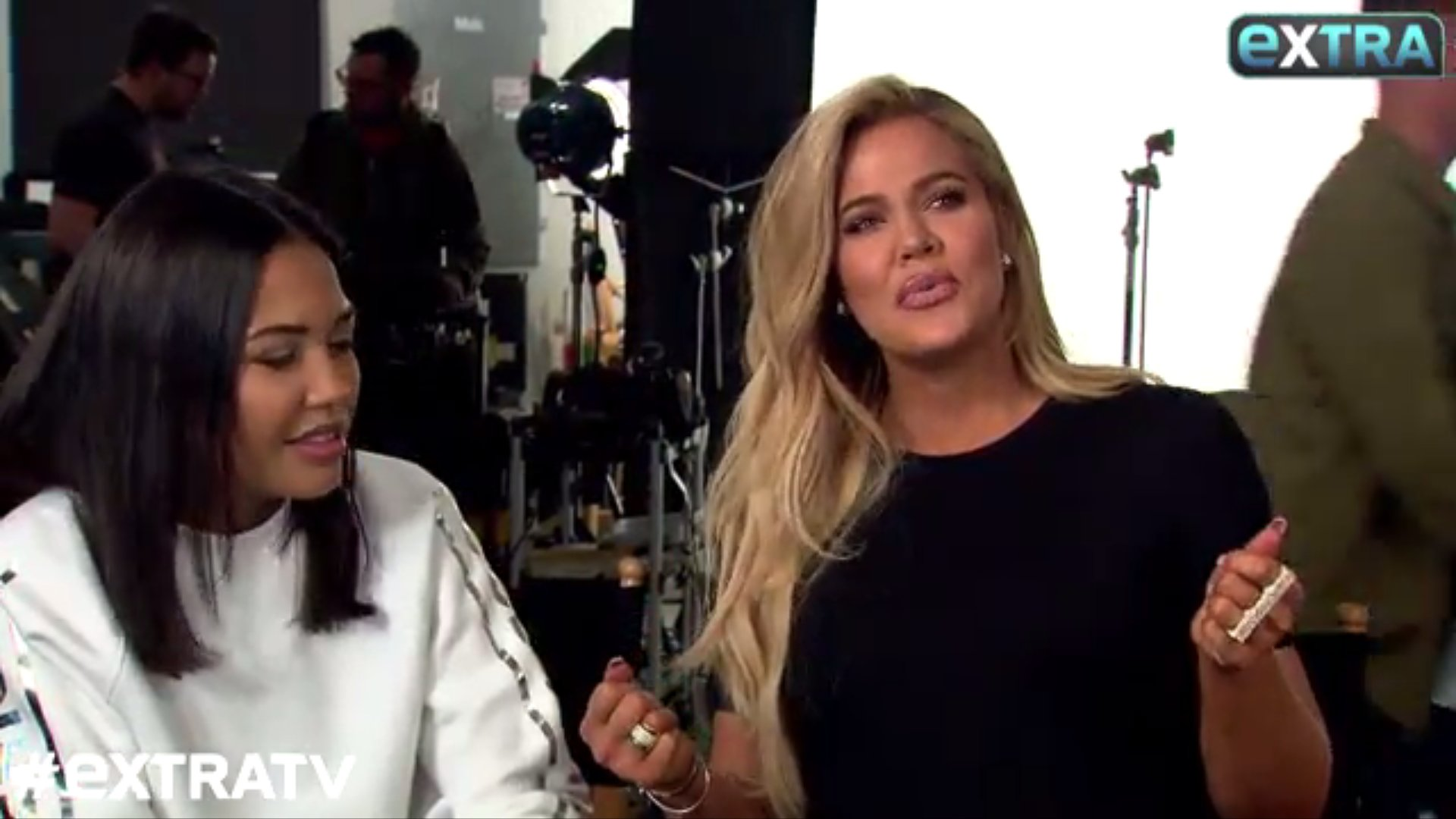 (VIDEO) Khloé on the set Good American photoshoot taling about Kylie