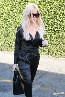 PICS: Khloé Kardashian lunch in Los Angeles