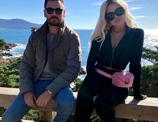 (VIDEO) March 20, 2019: Khloé, Kourtney, Scott and Kris Jenner out in California