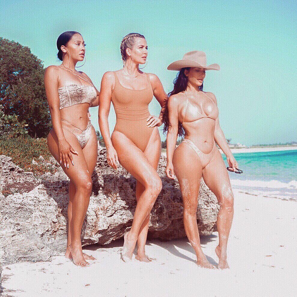 Kim, Lala and Khloé on the beach in Bahamas