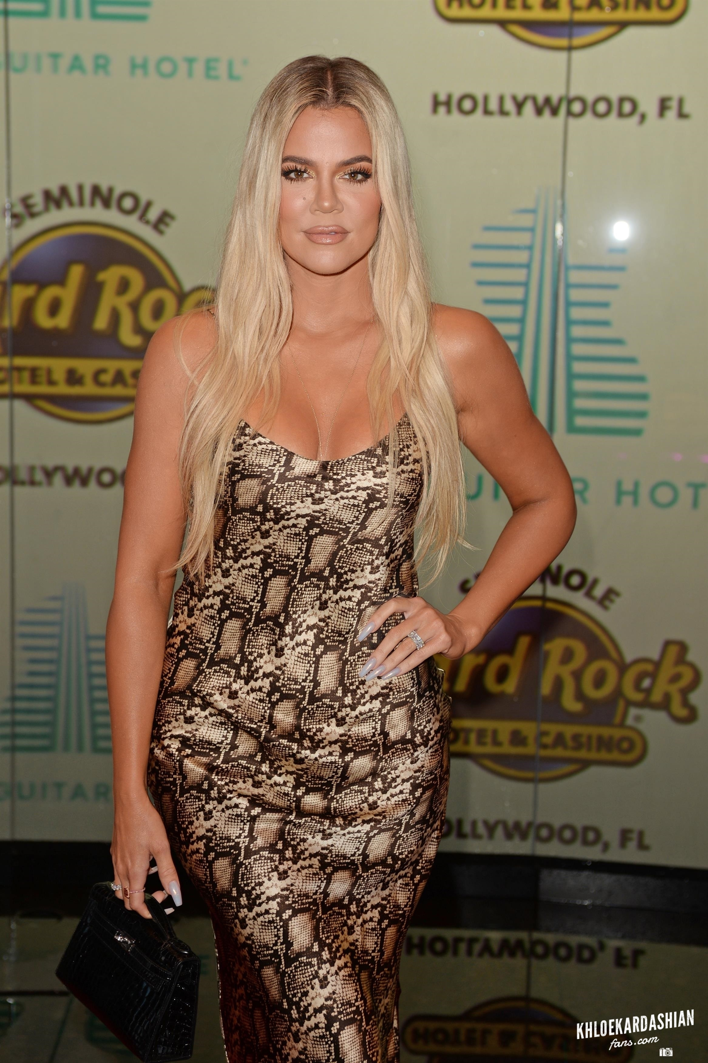 KHLOE KARDASHIAN ATTENDS AT SEMINOLE HARD ROCK HOTEL & CASINO IN MIAMI