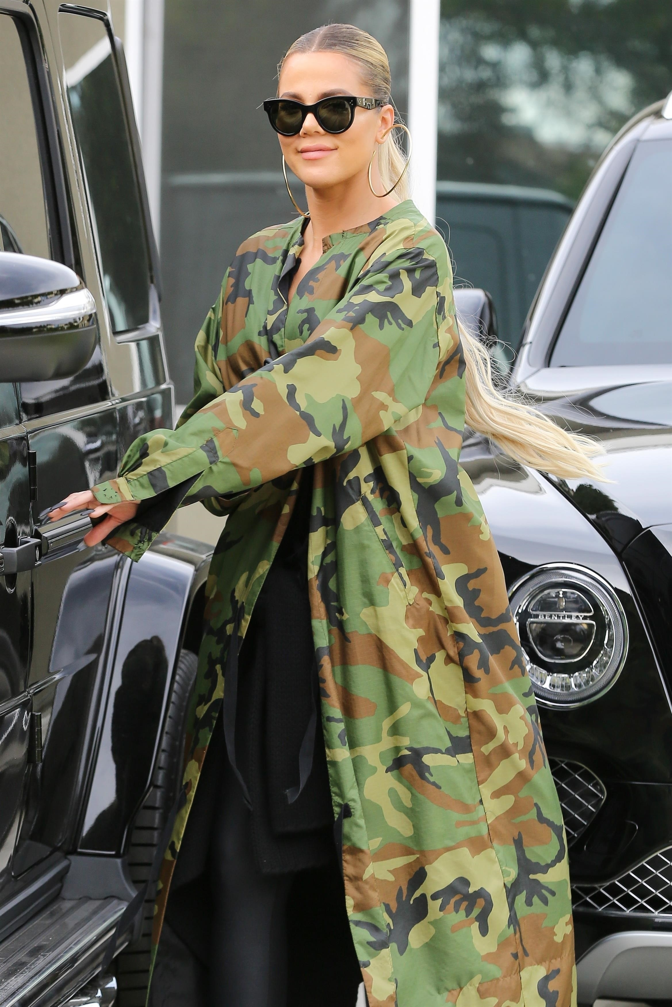 Oct 21: KHLOE KARDASHIAN VISITS BFF MALIKA HAQQ'S NEW HOUSE IN LA