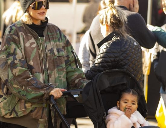 PHOTO & VIDEO: December 28, 2019 – Khloé Kardashian & True Thompson at the farmer's market