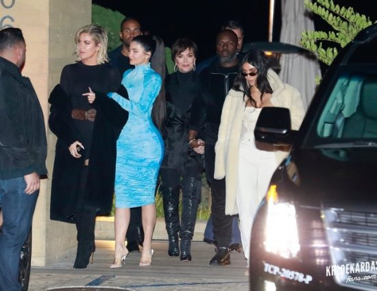(PHOTOS+VIDEOS) January 09, 2020: Kardashian-Jenner Family Steps Out for Group Dinner at Nobu in Malibu!