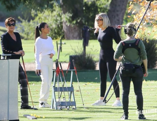 (PHOTOS) January 08, 2020: Khloe Kardashian & Kim Kardashian Seen golfing in Los Angeles